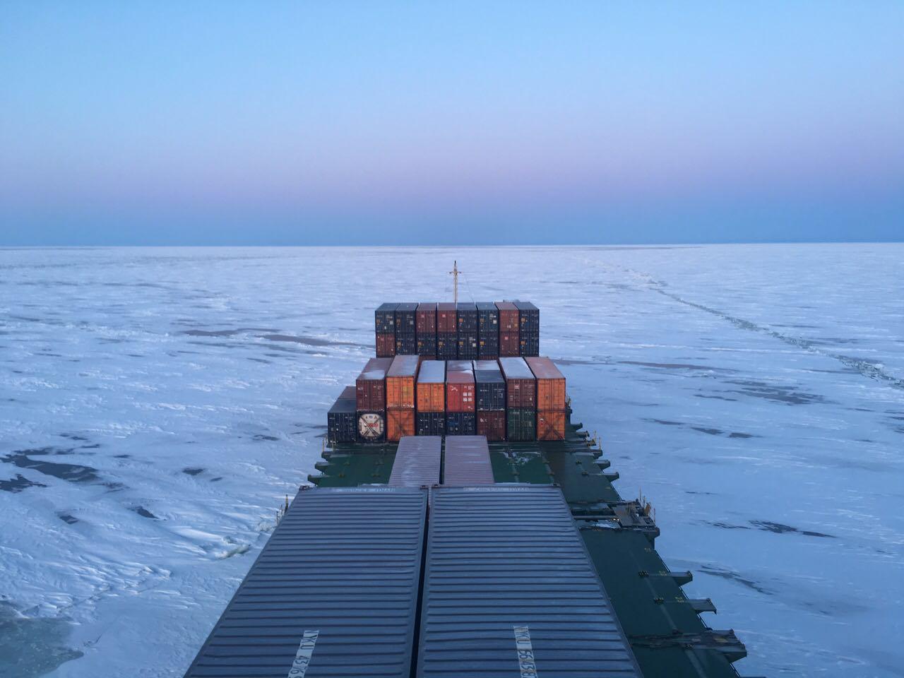 фото корабля