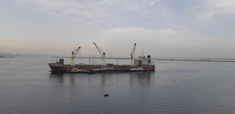 Сухогруз Nassauborg на якоре в Александрии